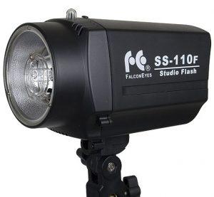 Лампа FalconEyes SS-110F Studio Flash и о том, что фотографы — тоже люди!